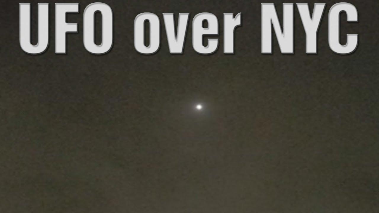 OVNI que aparece en el cielo sobre Nueva York 10-Mar-2021