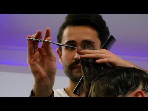 Die Wiederherstellung des Haares das krumme Horn