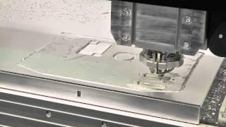 CNC-Fräsmaschine DATRON M8Cube - Hochgeschwindigkeits-Fräsen Einer Aluminium Frontplatte