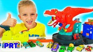 Vlad e Nikita brincam com a Carros de brinquedo Hot Wheels Cidade