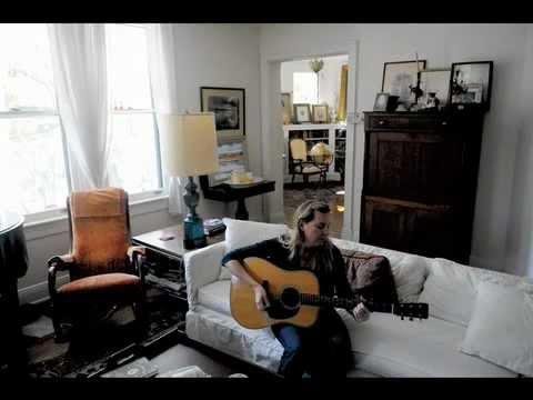 Ellie Fabe cislo_e_musician - iPhone.m4v