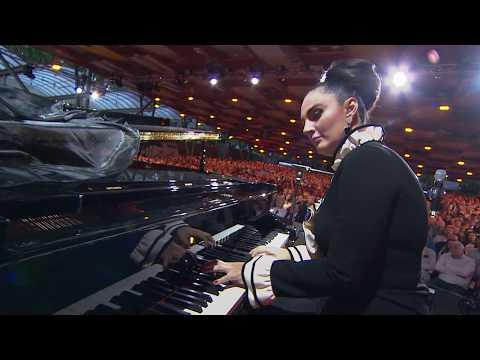 Елена Ваенга - Аэропорт (Laima Rendez Vous Jūrmala 20.07.2017)