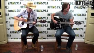 Dustin Lynch - Dancing In The Headlights (Live at K-FROG)