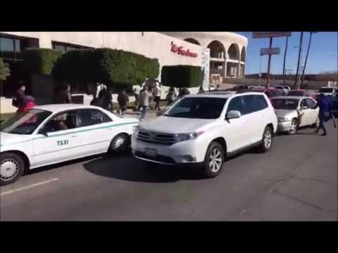 CORRETEAN E INSULTAN AL GOBERNADOR KIKO VEGA (video de Canal 66 de Mexicali)