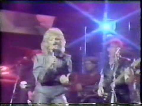 Bonnie Tyler - It's A Jungle Out There - Supersonic (UK)