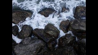 ШТОРМ АНАПА 11.01.19 МОРЕ ПЛЯЖ каменный и галечный  Высокий берег Малая бухта