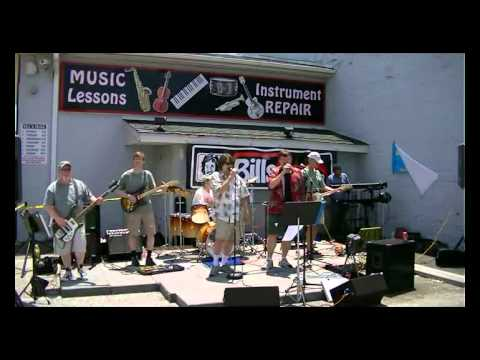 Bodkin Creek Performing Cinnamon Girl at Bill's Saturday Sessions