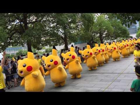 В Японии прошел парад Пикачу