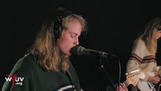 """Marika Hackman - """"Boyfriend"""" (Live at WFUV)"""