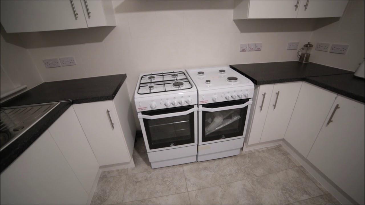 Double Bed in Rooms to rent in recently refurbished 7-bedroom apartment in Redbridge, Travelcard Zone 3