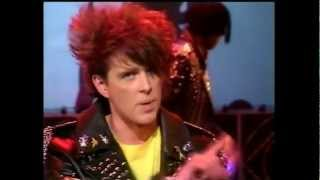Thompson Twins You take me up 1984 Top of The Pops
