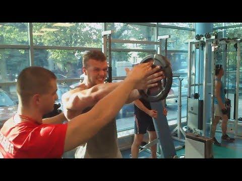 13 lat podkręcić mięśnie w ramionach