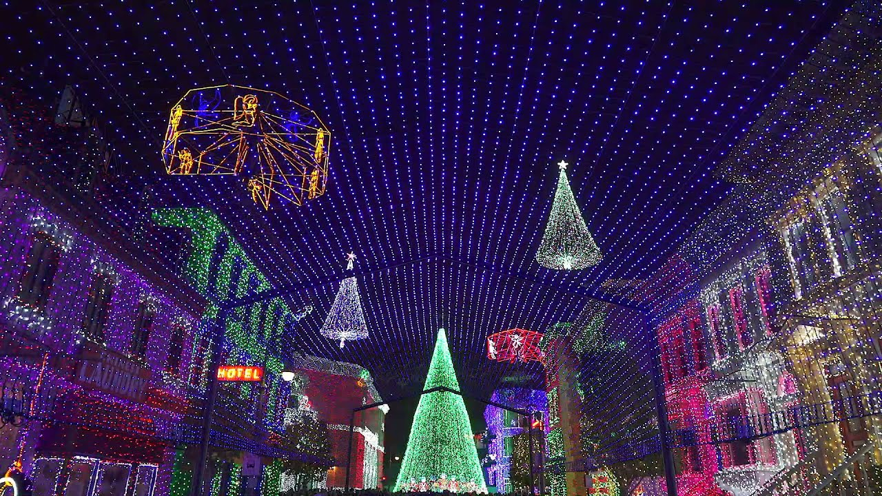 Osborne Family Spectacle of Dancing Lights - Nuttin' For Christmas