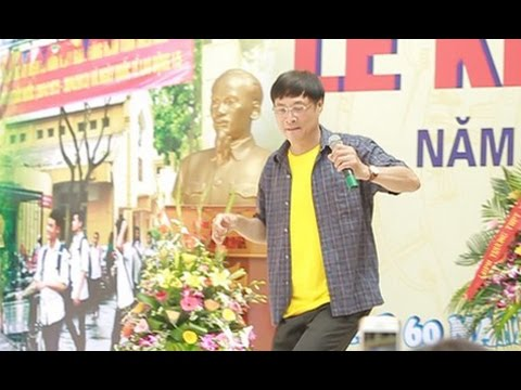 Thầy hiệu trưởng nhảy hiphop dịp khai giảng