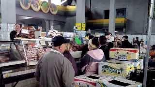 Прикол всё Запорожье покупает сало у одной Марины