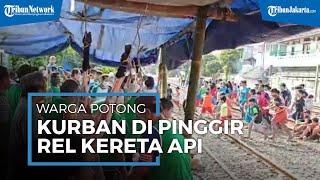 Akibat Keterbatasan Lahan, Warga Potong Kurban di Pinggir Rel Tanjung Priok