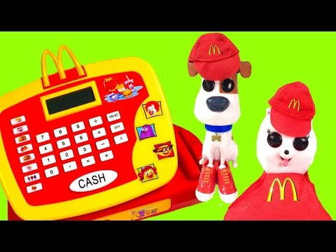 The Secret Life of Pets Movie Max & Gidget Work at McDonald's! Blind Bags & Cash Register