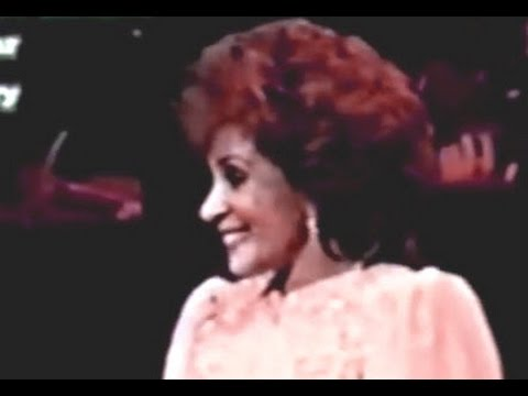 Shirley Bassey - Wind Beneath My Wings (1994 Live in Tokyo)