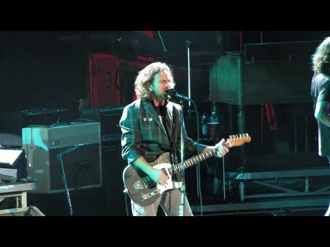 Pearl Jam: Breakerfall [HD] 2010-05-20 - New York, NY