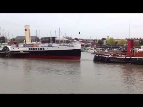 PS Medway Queen leaves Bristol