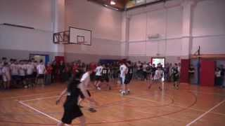 Partita di Basket: Istituto Calvi contro Liceo Morandi