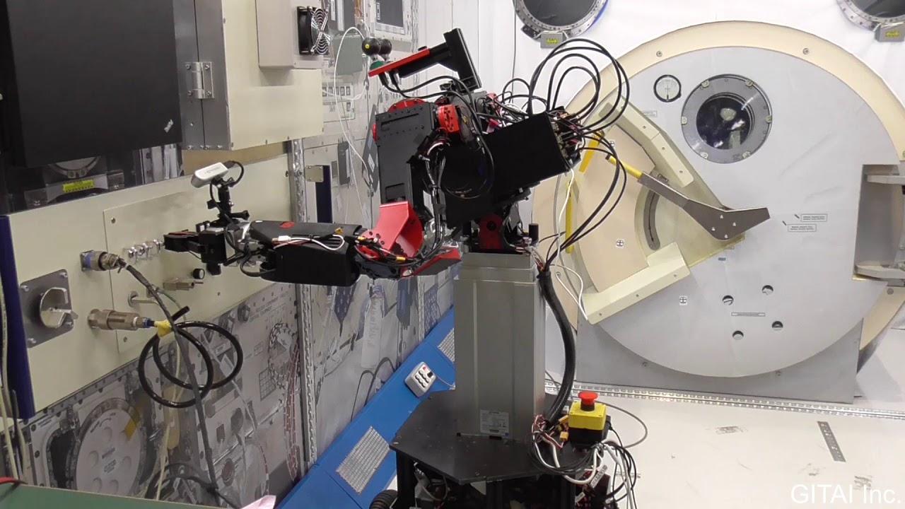 Через два года на МКС появятся японские роботы-аватары