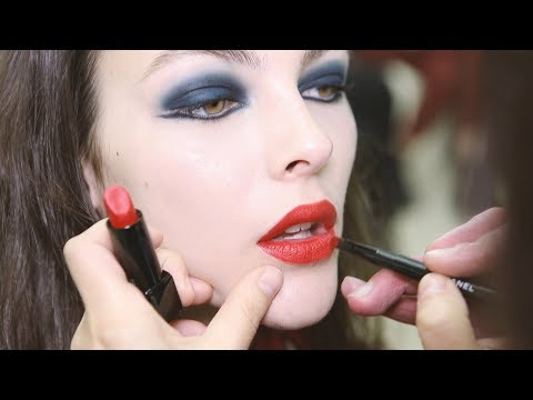 CHANEL Backstage Makeup Look – FROM THE SHOW TO YOUR HOME – SPRING-SUMMER 2019 HAUTE-COUTURE