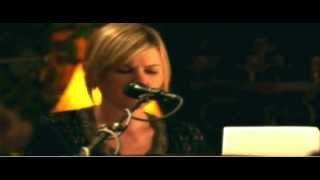Dido - Look No Further (Live at Mountain Mermaid 2008)