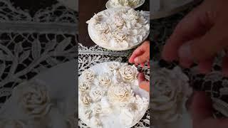 Розы и пионы из фарфора