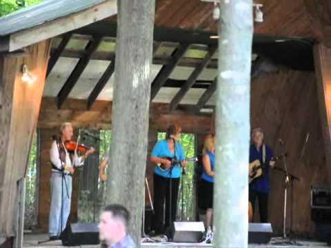 , title : 'Bluegrass group Honey Grass