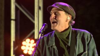 James Taylor: Everyday / Something in the Way She Moves (Greenwich Town Party 2013)