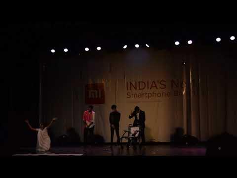 Dus Ka tees ( Blue Cross dressed Person AKA playing the role of Rakhi Sawant)
