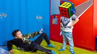 Давид Хочет ПЕРЕХИТРИТЬ Папу! Умный Кубик Рубика САМЫЙ Крутой! Smart Toy Rubik