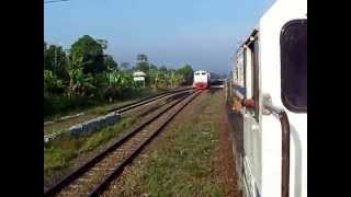 preview picture of video 'Parahyangan Train Cisomang Meeting'