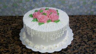 Facil decorar bolo com chantilly simples