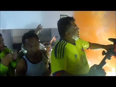 """""""ESTA ES LA HINCHADA DEL ORMEÑO. """"W"""""""" Barra: Los Leones Blancos • Club: Walter Ormeño"""