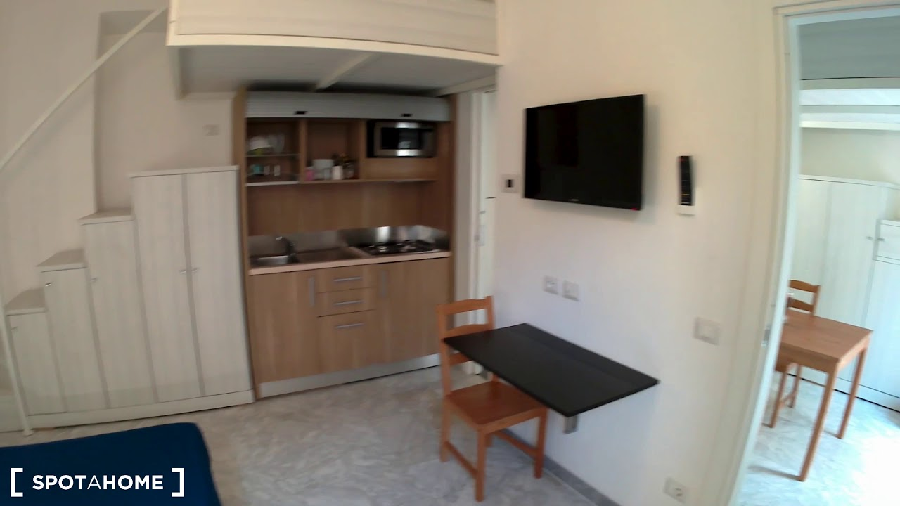 Sunny 1-bedroom apartment with balcony for rent in Porta Pia, near metro