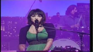 Norah Jones - Happy Pills on Late Show with David Letterman 5-02-2012