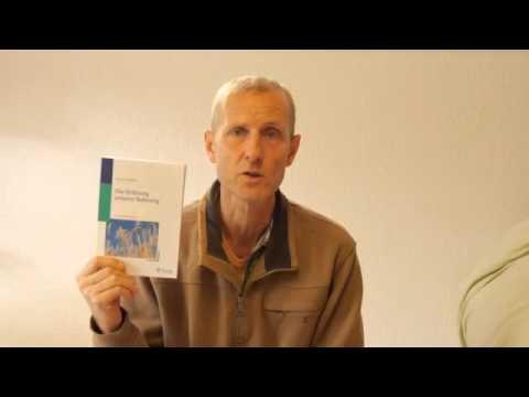 Atopitscheski die Hautentzündung und die Alopecia beim Kind