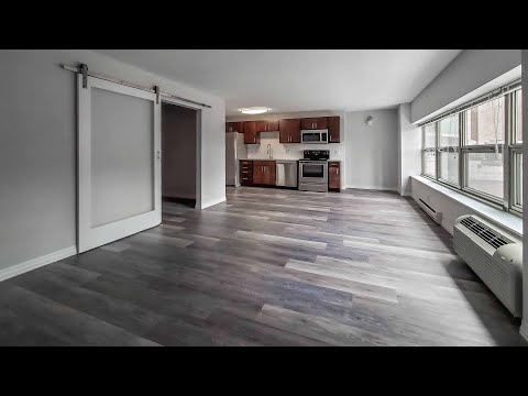 Tour a Gold Coast / River North spacious convertible at Chestnut Place