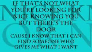 Don't Let Me Stop You - Kelly Clarkson (Lyrics)