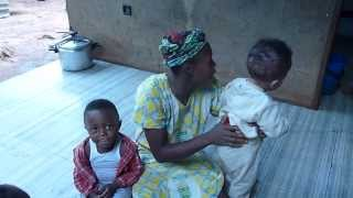 preview picture of video 'DEGUSTATION DE QUEUE DE VIPERE CAMEROUNAISE NOEL 2011 YAOUNDE'