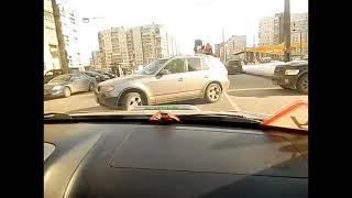 Управление автомобилем в условиях города.