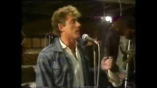 Roger Daltrey, Under A Raging Moon LIVE - UK TV Performance - Number 73
