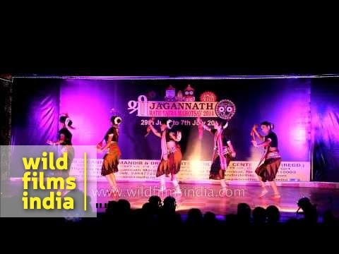 Download Sambalpuri - Womens' Folk dance during Rath Yatra Mahotsav HD Mp4 3GP Video and MP3