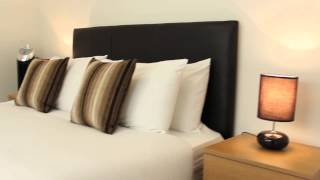 preview picture of video 'NEW: City one-bed Serviced Apartments walkthrough tour - Boutique London Lets - The City, London'