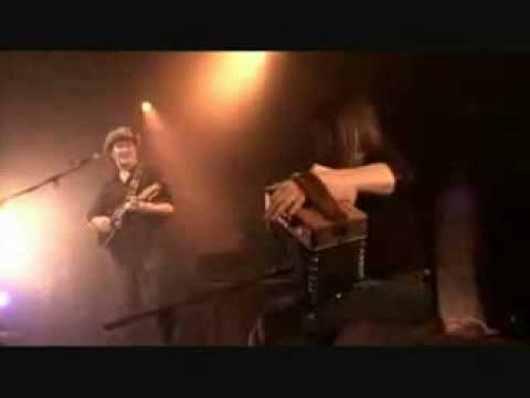 Mundy & Sharon Shannon - Galway Girl lyrics