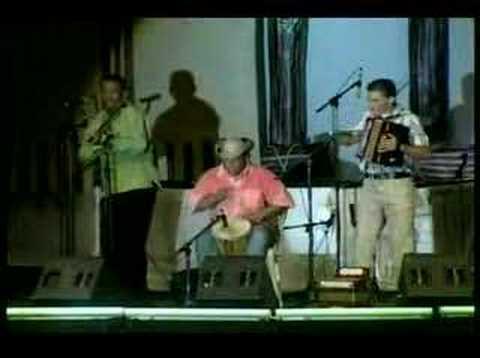 El libre - En el Festival vallenato... Alberto Jamaica