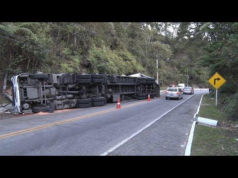 RJ-116 tem mais de 40 acidentes com caminhões em 2018