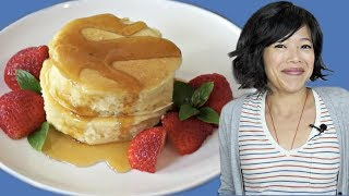 Japanese FLUFFY PANCAKES Recipe Taste Test